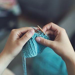 Pixabay_knit-869221_300